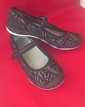 KEEN Mary Jane Shoes for Girls Size 4Y for Sale in Blackwood, NJ