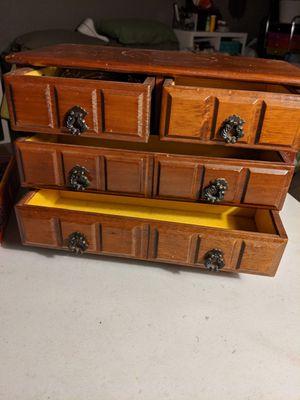 Vintage jewelry box for Sale in Peoria, AZ