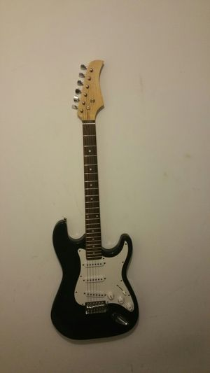 Electric guitar for Sale in Mundelein, IL