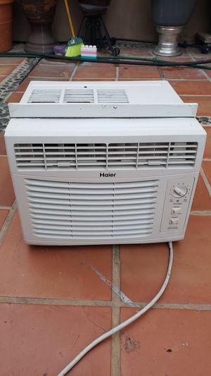 Air Conditioner 5000 BTU for Sale in Paramount, CA