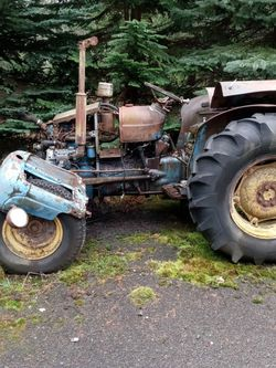 Fordson Dextra Tractor for Sale in Auburn,  WA