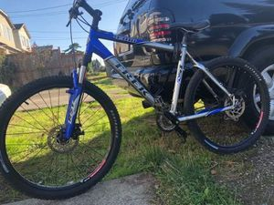 TREK BIKE GOOD CONDITION AND Aluminum FRAME mountain bike for Sale in Seattle, WA