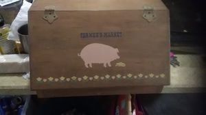 Pigs bread box 4 sale $5.00 call {contact info removed} for Sale in NEW CUMBERLND, PA