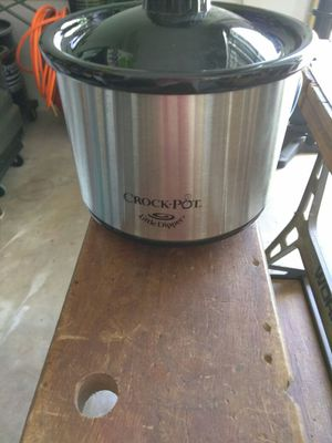 Little Dipper crock pot for sauce or cheese for Sale in Hialeah, FL
