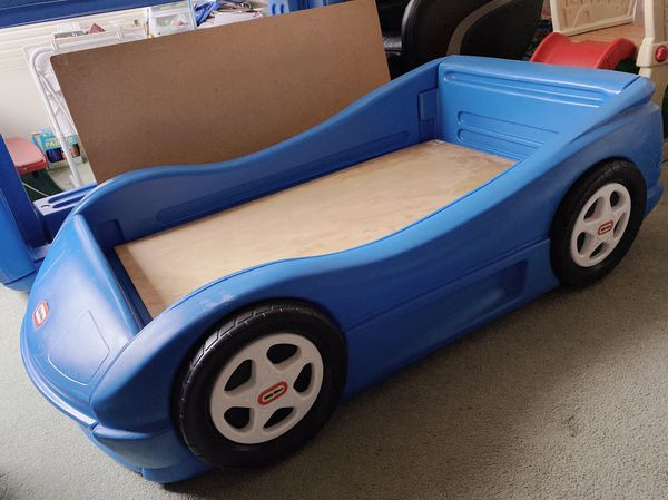 Descriptions: Little Tikes Sports Car toddler Bed (Blue) Two toddler bed availabl