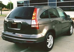 2010 HONDA CRV * CLEAN * GAS SAVER for Sale in New Orleans, LA