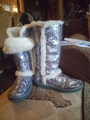 Paris Blues Silver Sequin Boots Size 7 for Sale in WA, US