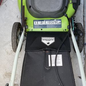 """Greenworks 20"""" 12A lawn mower 3 in 1 cutting for Sale in Westminster, CA"""