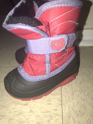 Girls Kamik snow boots 6c for Sale in Utica, NY