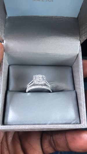 14 karat white gold, 1 karat diamond 💍 ..Size 7 for Sale in Wheeling, IL