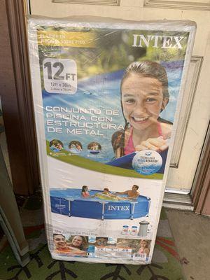 Intex Metal Frame Pool 12x30 for Sale in Los Angeles, CA
