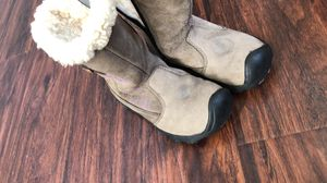 Girls Keen snow boots for Sale in Commerce City, CO
