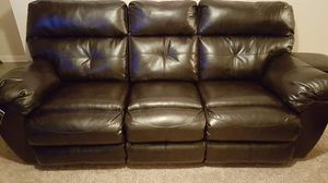 Broyhill reclining sofa and loveseat for Sale in Nashville, TN