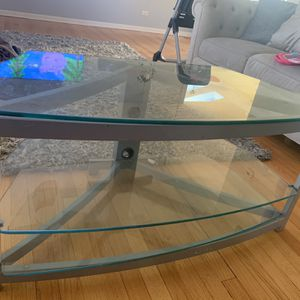 Free Table for Sale in Arlington Heights, IL