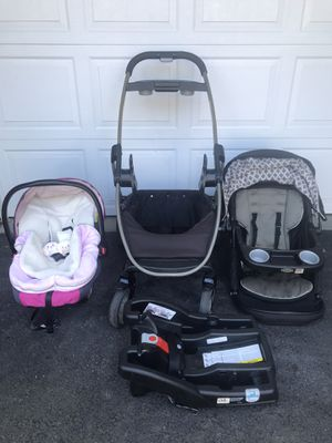 Graco stroller with car seat and base for Sale in Hillsboro, OR