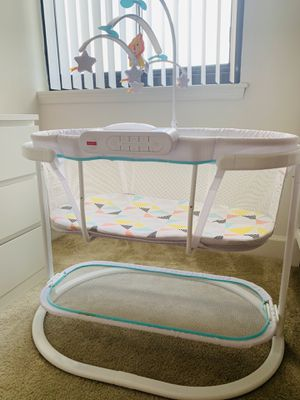 Fisher price bassinet for Sale in Alexandria, VA