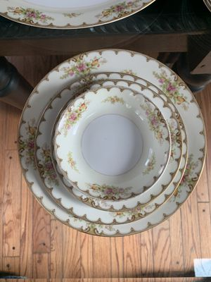 Royal Embassy China - Lincoln Pattern, 31 Piece set for Sale in Hinsdale, IL