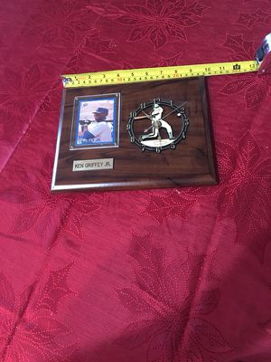 Vintage Ken Griffey Jr wall clock for Sale in Wenatchee, WA