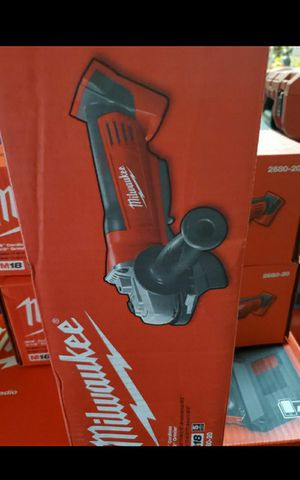 MILWUAKEE M12 CORDLESS ANGLE GRINDER TOOL ONLY BRAND NEW for Sale in San Bernardino, CA