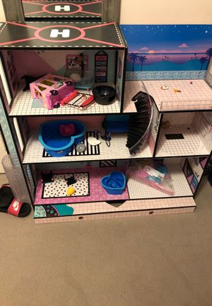 LOL doll house for Sale in Valley View, OH