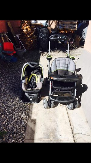 Car seat , stroller, and base for Sale in Las Vegas, NV