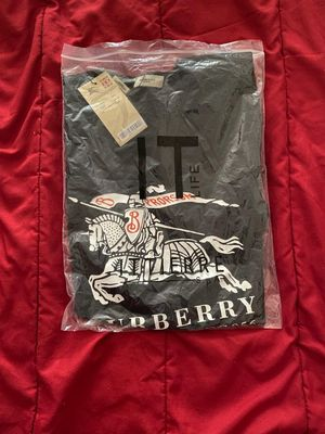 Burberry T-SHIRTS for Sale in Erial, NJ