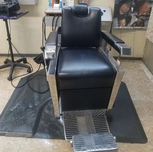 1959 Kochs barber chair [FULLY RESTORED] for Sale in Los Angeles, CA