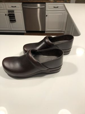 Dansko Professional Men's Brown Leather Size 44 for Sale in Howell Township, NJ