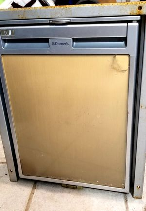 3 way refrigerator, camper 12V for Sale in Tampa, FL