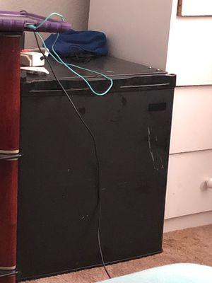 Mini fridge for Sale in Salem, OR