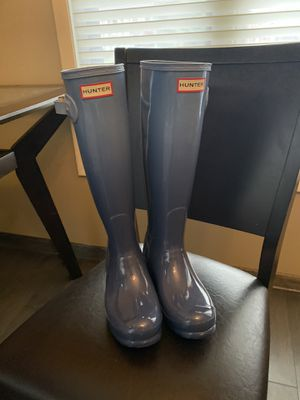 Hunter Blue Ombré Tall Rain Boot. NEW Size 6 for Sale in South Amherst, OH