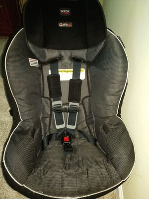 Selling Britax Marathon Clicktight Convertible car seat for Sale in Morrisville, NC