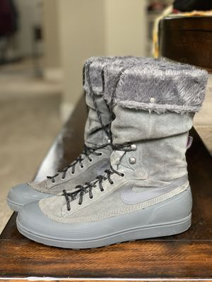 Nike Snow Boot- Women's 8 for Sale in Beaverton, OR