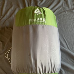 Sleeping Bag for Sale in Phelan, CA