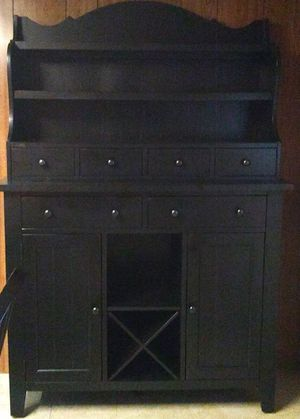6'-9' Oak Kitchen Set with 2 leaves, 6 Chairs and a Server/ Hutch for Sale in Smithfield, RI