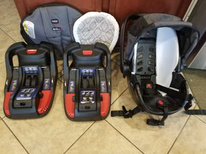 Britax Baby carrier with two (2) bases for Sale in Eustis, FL