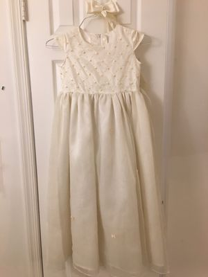 Flower girls dress ( paid over $100) for Sale in Fairfax, VA