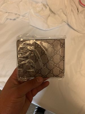 Gucci wallet for Sale in Lakewood, CA