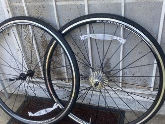 NEW ALEXRIMS Wheelset With Cassette 10sp 700c AND YES STILL FOR SALE for Sale in Garden Grove,  CA