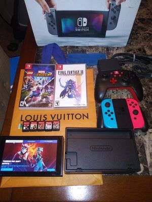 Nintendo switch brand new condition with accessories and games bundle for Sale in Saint Lawrence, SD
