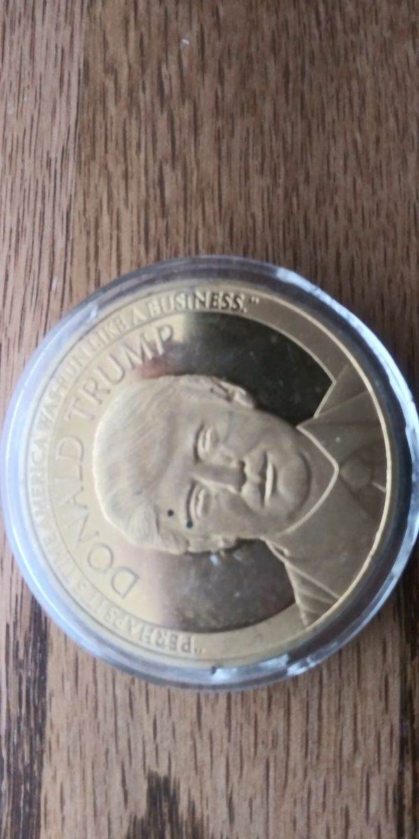 Donald Trump Commemorative Gold Coin