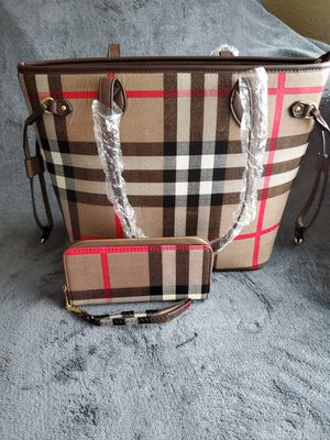 Brand NEW Brown & Red Plaid Tote W/ Pouch for Sale in Watauga, TX