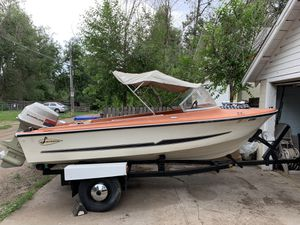 73 Larson fish/ski boat for Sale in Fort Collins, CO