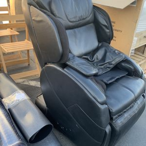 Human Touch Bali Massage Chair for Sale in Huntington Beach, CA