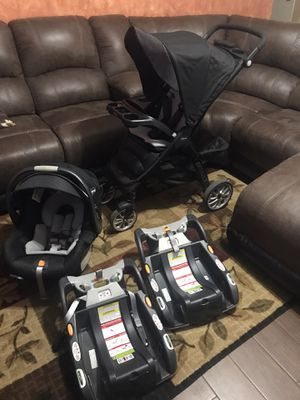Chicco Bravo Trio Travel System for Sale in Watauga, TX