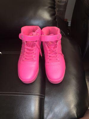 Fila Women's Size 9 1/2 Sneaker For Sale! $10 for Sale in Carrollton, TX