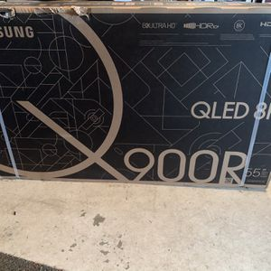 55 Inch Samsung 8K Q900R television for Sale in Greater Upper Marlboro, MD