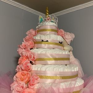 5 tier diaper cake for baby showers and gifts!! for Sale in Glendora, NJ