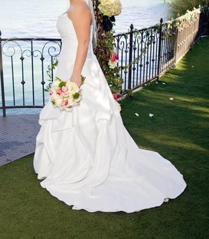 Wedding Dress Pristine Condition for Sale in Oceanside, CA