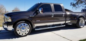 2005 ford F350 powerstroke 6.o for Sale in Hesperia, CA